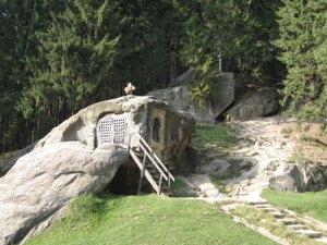 daniel s cave
