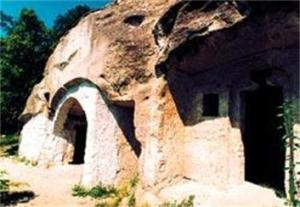 hungarian hermit caves
