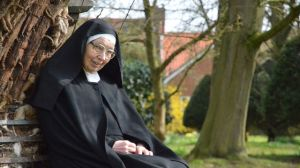 Arena: Sister Wendy and The Art of the Gospel