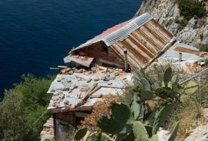 karoulia hut 2