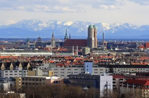 Munich-skyline-with-Alps